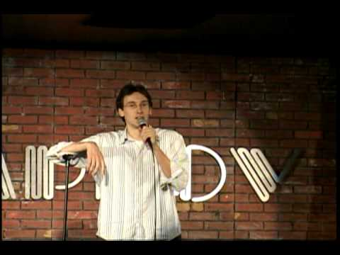 Comedien owns heckler with one line